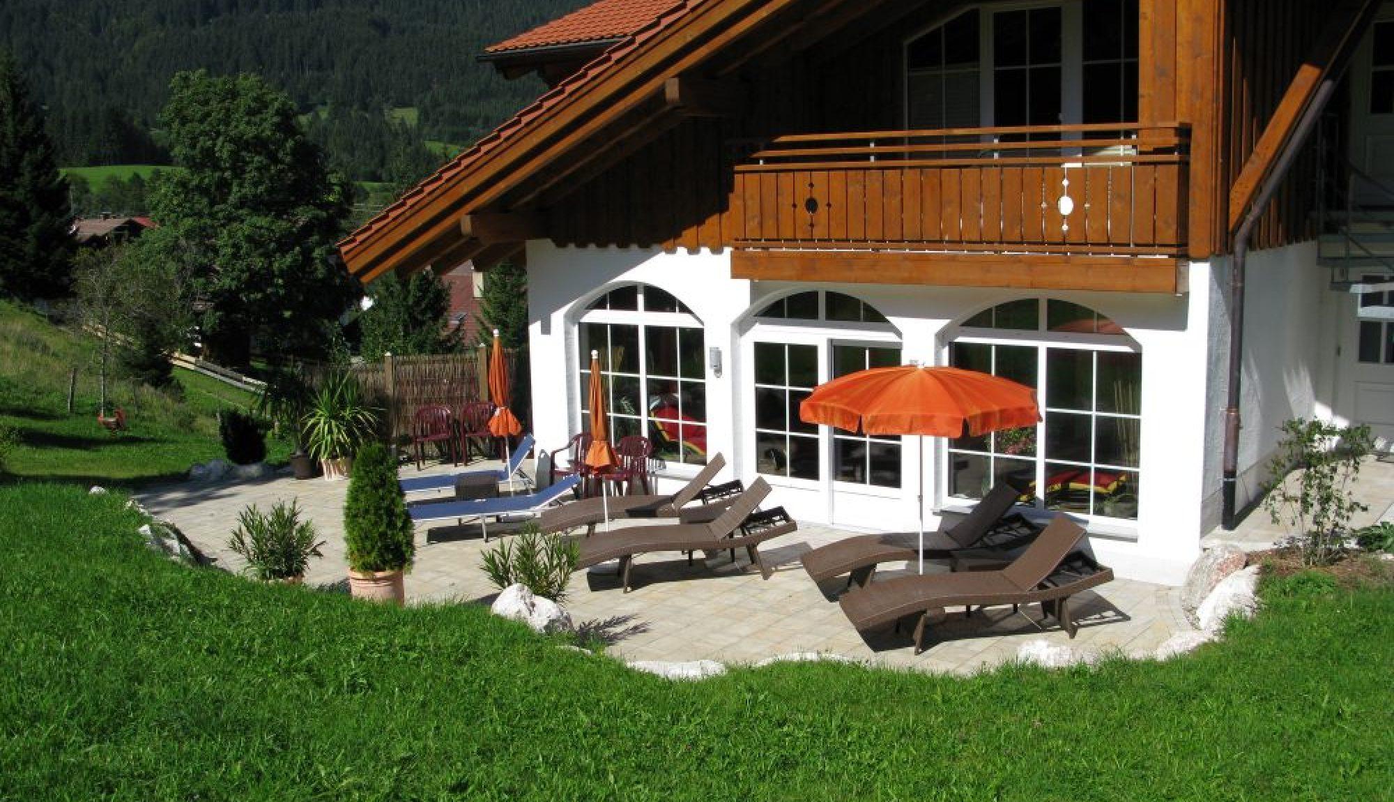 Berghotel Mühle Südterrasse Liegebereich
